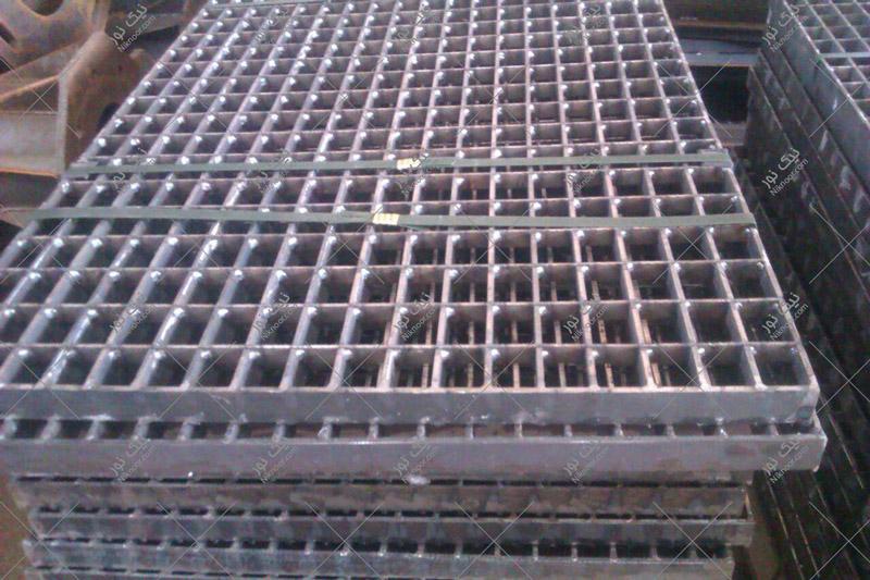 گریتینگ فلزی